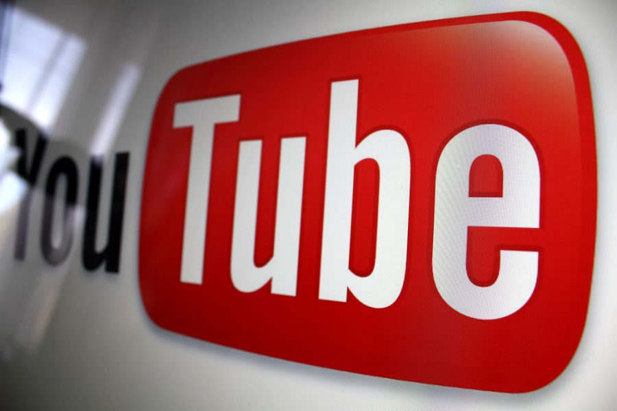 YouTube+logo+by+Rego+-+d4u.hu+is+licensed+with+CC+BY-SA+2.0.+To+view+a+copy+of+this+license%2C+visit+https%3A%2F%2Fcreativecommons.org%2Flicenses%2Fby-sa%2F2.0%2F